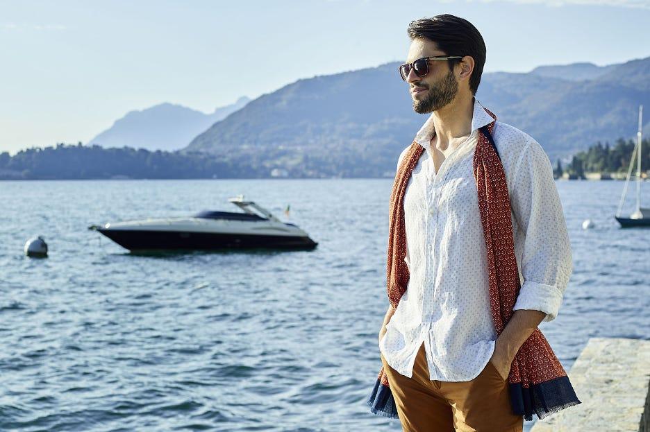 Camicia di Lino, alla moda anche nella tua vacanza al caldo