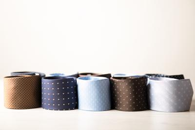 Semplice o stravagante, la cravatta che indossi mostra la tua personalità
